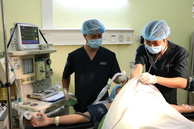 Cận cảnh bác sĩ Bệnh viện dã chiến luyện tập trước giờ lên đường đi Nam Sudan - Ảnh 4.