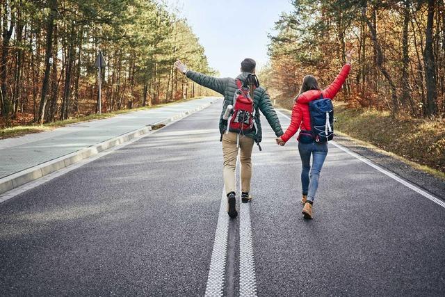 Dễ dàng để bắt đầu, duy trì đơn giản, đi bộ là bài tập thể dục hiệu quả đối với mọi đối tượng, nhưng bạn rất cần ghi nhớ 8 lưu ý này để tránh tác dụng ngược - Ảnh 4.