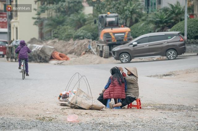 Cuộc sống người dân cạnh đại công trường đường vành đai nghìn tỷ: Ùn tắc, khói bụi, thậm chí ngã nhào - Ảnh 18.