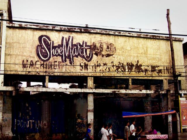 Ông trùm ngành bán lẻ Philippines: Gã bán giày dạo gây dựng nên một trong những gia tộc giàu nhất châu Á - Ảnh 1.