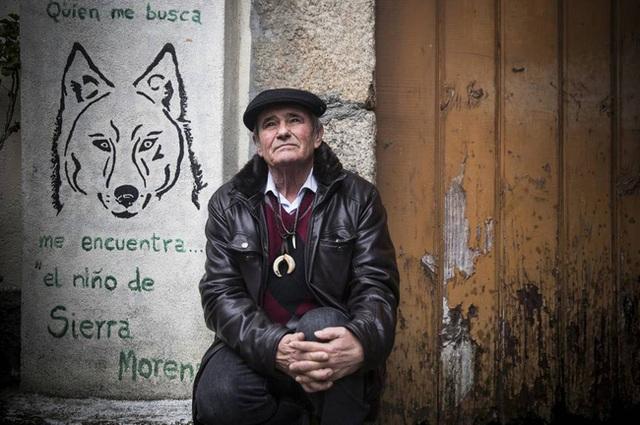 Câu chuyện có thật về cậu bé rừng xanh được bầy sói nuôi dưỡng trong 12 năm và cuộc sống sau khi tái hòa nhập cộng đồng con người - Ảnh 5.