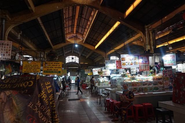 Cuối năm, chợ Bến Thành đìu hiu ngóng khách - Ảnh 6.