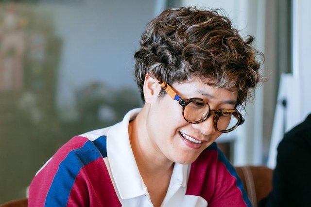 Nữ doanh nhân đứng sau gần 800 ngôi nhà chống lũ: Luôn giữ năng lượng tích cực để làm những việc truyền cảm hứng cho đời - Ảnh 2.