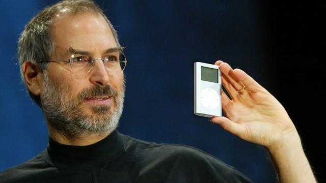Điều gì khiến áo cổ lọ trở thành trang phục không thể thiếu của giới nghệ sĩ, doanh nhân: Steve Jobs mua hơn trăm cái, khuấy đảo làng thời trang thế kỷ 20? - Ảnh 3.