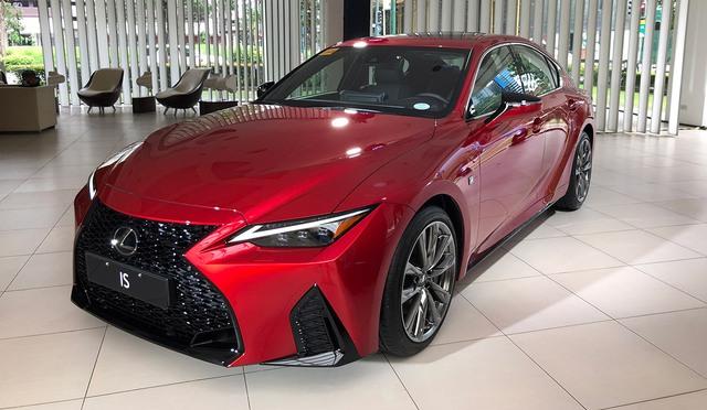 Lexus IS mới sắp ra mắt Việt Nam: 3 phiên bản, giá khó thấp hơn 2 tỷ đồng, đối thủ Mercedes C-Class và BMW 3-Series - Ảnh 1.