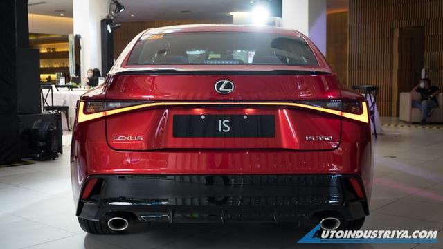 Lexus IS mới sắp ra mắt Việt Nam: 3 phiên bản, giá khó thấp hơn 2 tỷ đồng, đối thủ Mercedes C-Class và BMW 3-Series - Ảnh 3.