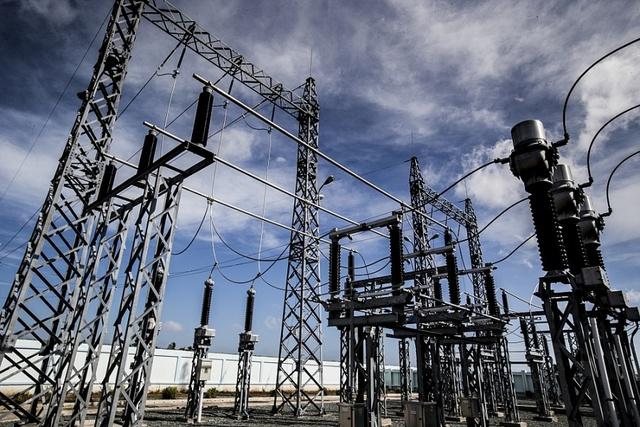 Xã hội hóa truyền tải điện (P1): Vì sao lưới không cõng nổi nguồn? - Ảnh 2.