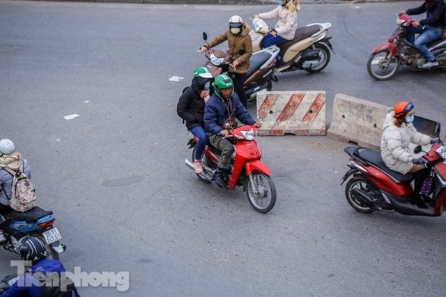 Ma trận ùn tắc giao thông ở Hà Nội ngày cuối năm - Ảnh 5.