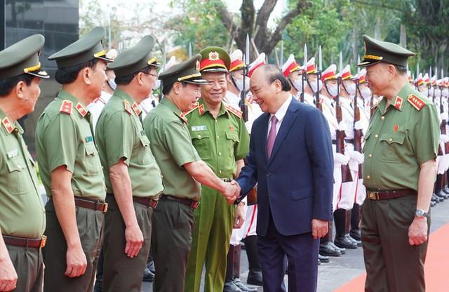 Chùm ảnh: Thủ tướng dự và phát biểu chỉ đạo Hội nghị Công an toàn quốc - Ảnh 3.