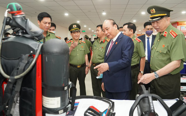 Chùm ảnh: Thủ tướng dự và phát biểu chỉ đạo Hội nghị Công an toàn quốc - Ảnh 6.