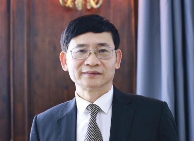 Tài xế Grab bị trừ 10% VAT, Luật sư Trương Thanh Đức: Không thể đối xử với người lao động như thế - Ảnh 1.