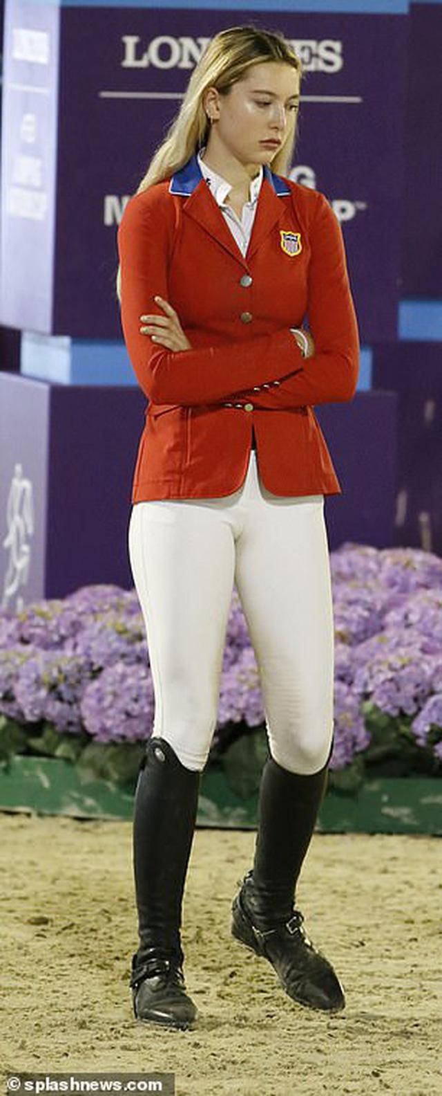 Ái nữ xinh đẹp nhất nhà tỷ phú Steve Jobs: Nhan sắc hoàn hảo tựa nữ thần, học cực giỏi và niềm đam mê lớn với môn thể thao của hội rich kid - Ảnh 16.