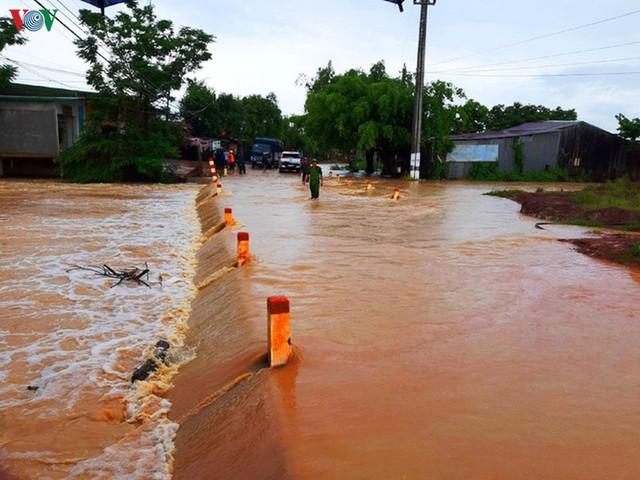 Mưa lớn gây ngập lụt, thiệt hại nặng nề tại Đăk Lăk - Ảnh 2.