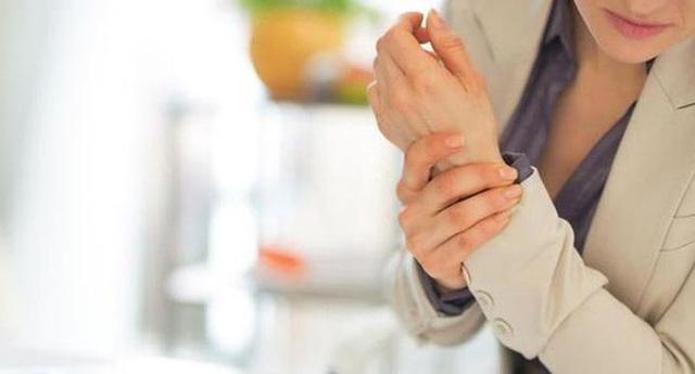 Bất kể nam hay nữ, già hay trẻ nếu xuất hiện những triệu chứng này trên cơ thể là tiền thân của ung thư - Ảnh 4.