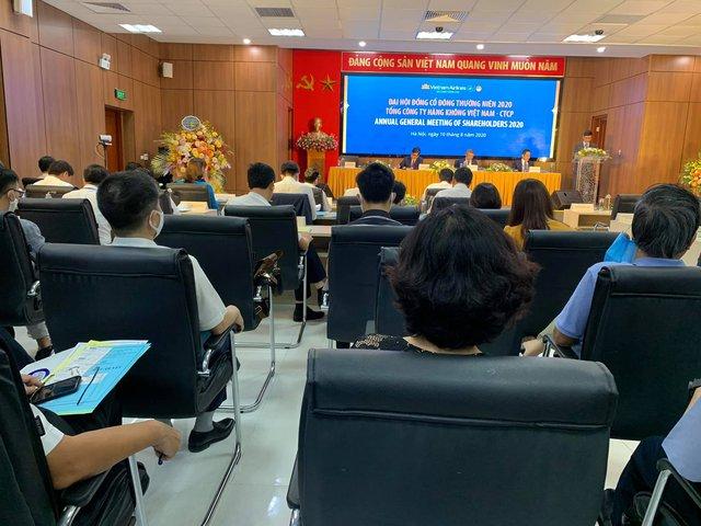 ĐHĐCĐ Vietnam Airlines: Cuối tháng 8 cạn tiền, trình phương án vay 4.000 tỷ và tăng vốn chủ sở hữu 8.000 tỷ - Ảnh 1.