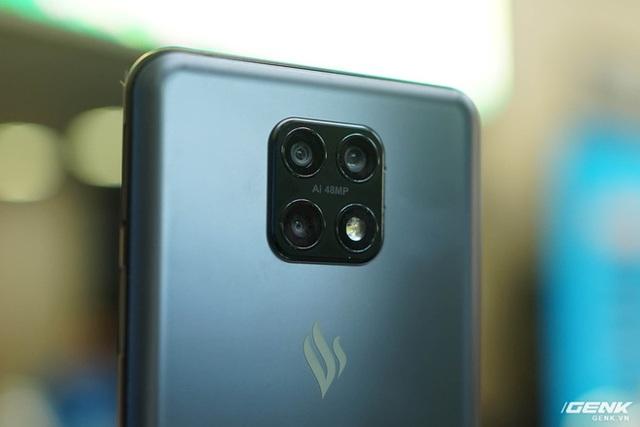 Vsmart Aris 5G Pro lộ diện với chip Snapdragon 765, RAM 8GB - Ảnh 1.