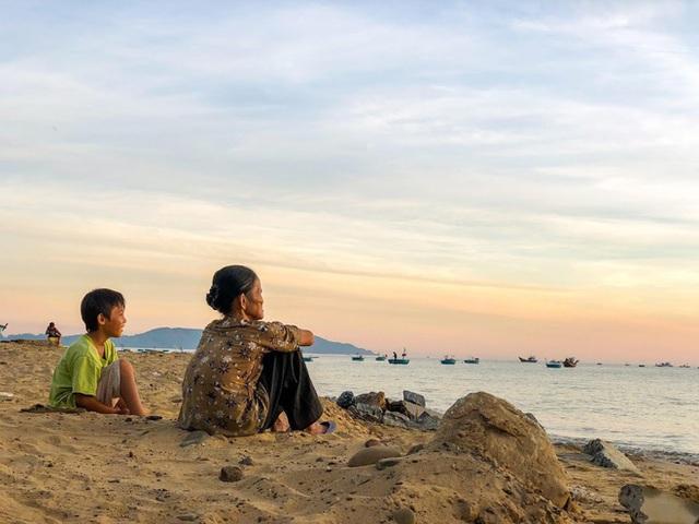 Cô nàng độc thân 26 tuổi lần đầu đi xuyên Việt bằng xe máy với 7 triệu và 17 ngày: Cả tuổi trẻ dành để đi bụi, sống không dũng cảm uổng phí thanh xuân! - Ảnh 24.