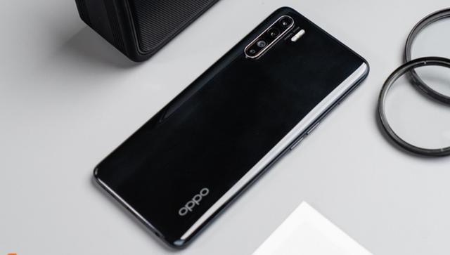 Hàng loạt Smartphone quốc dân hạ giá, có chiếc giảm tới gần 10 triệu đồng trong tháng 8 - Ảnh 4.