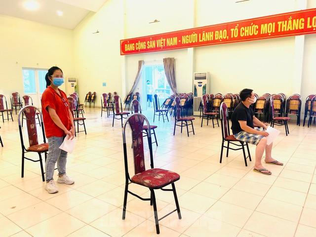 Hà Nội xét nghiệm RT-PCR người về từ Đà Nẵng sau 1 ngày tạm dừng - Ảnh 9.
