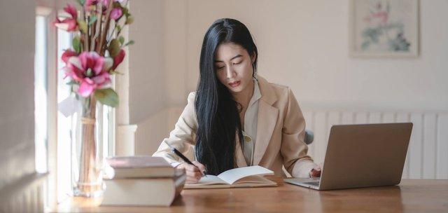 4 đặc điểm người EQ cao thường sở hữu, trong công việc có thể chưa xuất sắc nhưng chiếm trọn cảm tình của sếp lẫn đồng nghiệp - Ảnh 1.