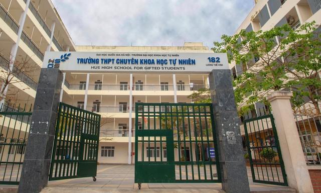 Review 15 trường cấp 3 xuất sắc ở Hà Nội: Nếu vẫn đang đau đầu vì con đỗ nhiều trường, bố mẹ hãy đọc ngay để tìm được trường ưng ý cho con - Ảnh 3.