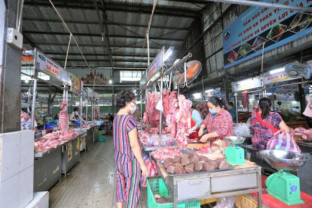 Ảnh: Ngày đầu người dân Đà Nẵng thực hiện đi chợ bằng phiếu ngày chẵn lẻ - Ảnh 18.