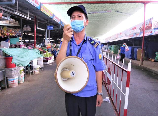 Ảnh: Ngày đầu người dân Đà Nẵng thực hiện đi chợ bằng phiếu ngày chẵn lẻ - Ảnh 22.
