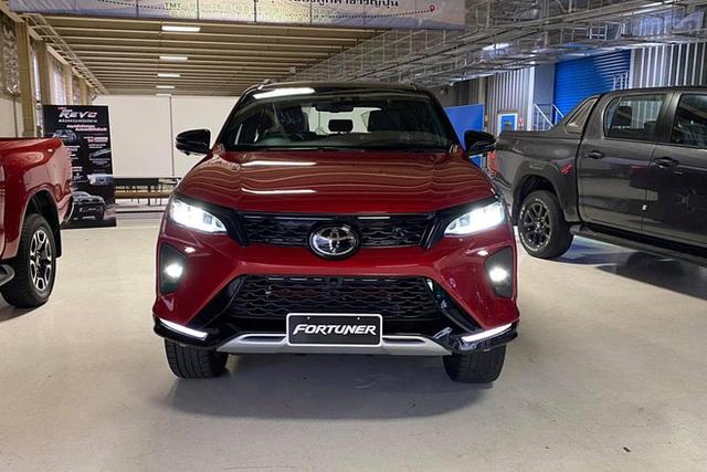 Chưa hết bom tấn, Toyota Việt Nam sắp tổng lực ra mắt Hilux, Fortuner, Innova và cả Vios mới, quyết sắp xếp lại thị trường - Ảnh 4.