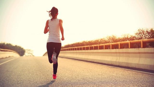 Thí sinh Hoa hậu Việt Nam bị tràn dịch khớp gối nghiêm trọng khi cố gắng chạy bộ giữ dáng: Đừng mắc phải 8 sai lầm hại thân nếu bạn cũng đang chạy bộ để giữ dáng - Ảnh 5.