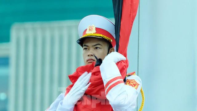 Lễ thượng cờ rủ Quốc tang nguyên Tổng Bí thư Lê Khả Phiêu - Ảnh 1.
