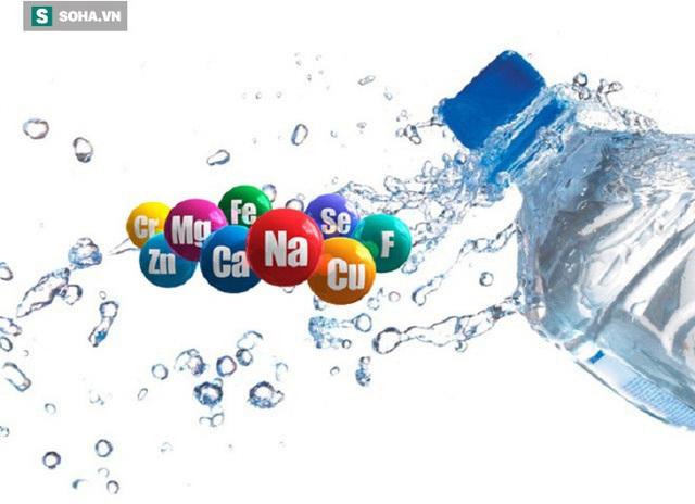 Nước khoáng - loại nước tốt cho sức khoẻ nhưng lại gây hại ở một điểm không ngờ - Ảnh 1.
