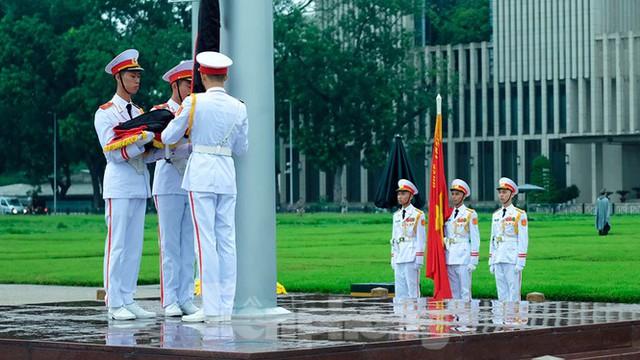 Lễ thượng cờ rủ Quốc tang nguyên Tổng Bí thư Lê Khả Phiêu - Ảnh 12.