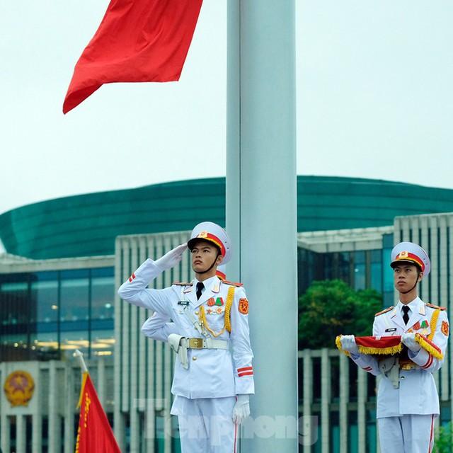 Lễ thượng cờ rủ Quốc tang nguyên Tổng Bí thư Lê Khả Phiêu - Ảnh 13.