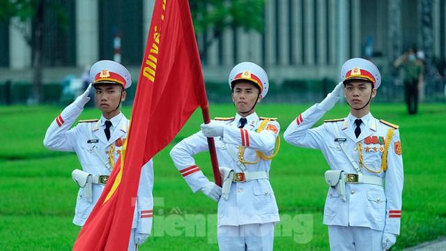 Lễ thượng cờ rủ Quốc tang nguyên Tổng Bí thư Lê Khả Phiêu - Ảnh 15.
