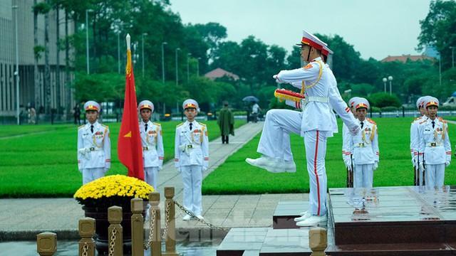Lễ thượng cờ rủ Quốc tang nguyên Tổng Bí thư Lê Khả Phiêu - Ảnh 16.