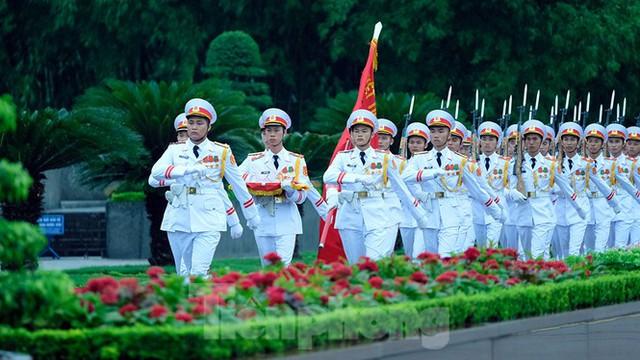 Lễ thượng cờ rủ Quốc tang nguyên Tổng Bí thư Lê Khả Phiêu - Ảnh 18.