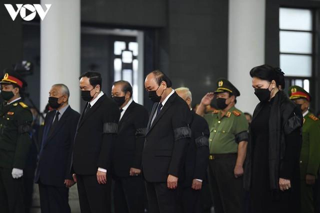 Ảnh: Lãnh đạo Đảng, Nhà nước viếng nguyên Tổng Bí thư Lê Khả Phiêu - Ảnh 3.