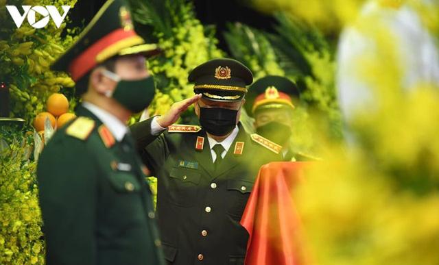 Ảnh: Lãnh đạo Đảng, Nhà nước viếng nguyên Tổng Bí thư Lê Khả Phiêu - Ảnh 21.