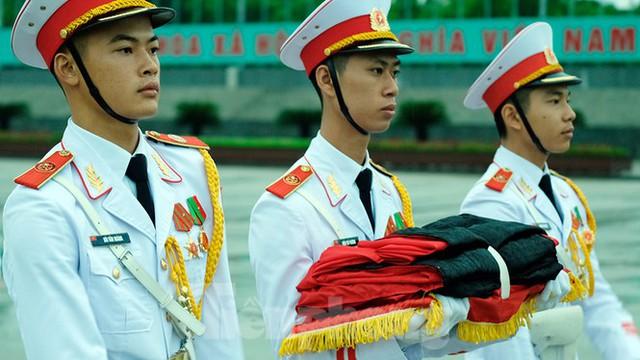 Lễ thượng cờ rủ Quốc tang nguyên Tổng Bí thư Lê Khả Phiêu - Ảnh 6.