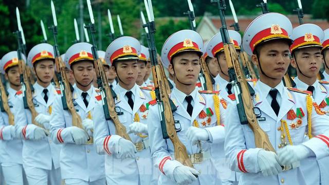 Lễ thượng cờ rủ Quốc tang nguyên Tổng Bí thư Lê Khả Phiêu - Ảnh 7.