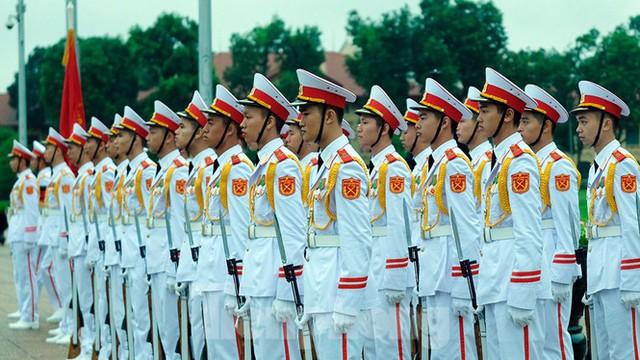 Lễ thượng cờ rủ Quốc tang nguyên Tổng Bí thư Lê Khả Phiêu - Ảnh 8.