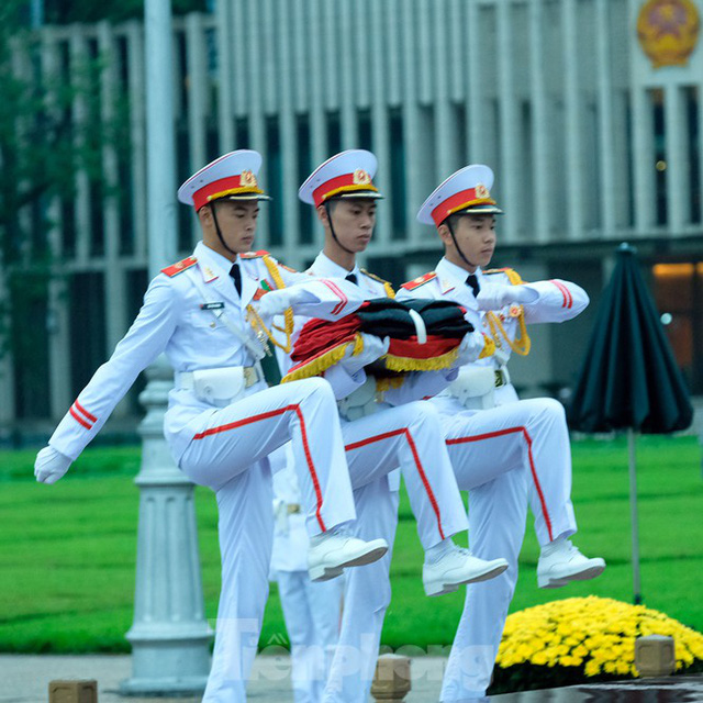 Lễ thượng cờ rủ Quốc tang nguyên Tổng Bí thư Lê Khả Phiêu - Ảnh 9.