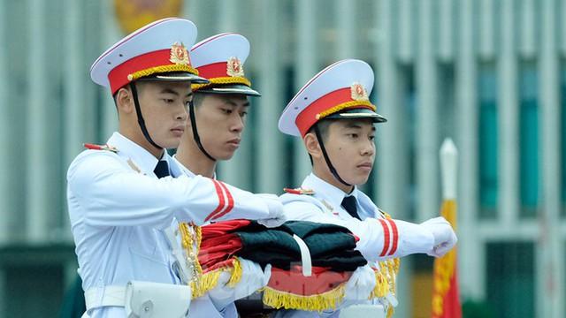 Lễ thượng cờ rủ Quốc tang nguyên Tổng Bí thư Lê Khả Phiêu - Ảnh 10.