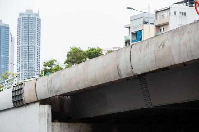 Cận cảnh cây cầu vượt lớn nhất Hà Nội sắp thông xe - Ảnh 1.