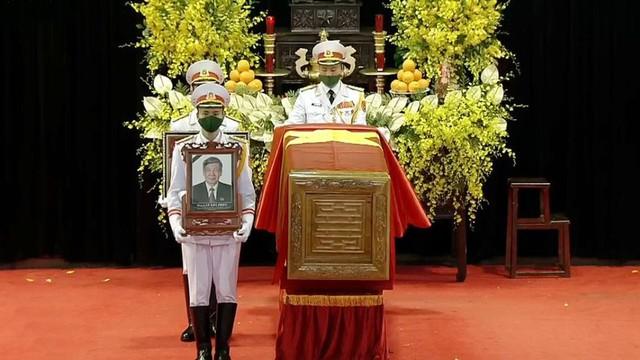 Lễ truy điệu và an táng Nguyên Tổng Bí thư Lê Khả Phiêu - Ảnh 42.