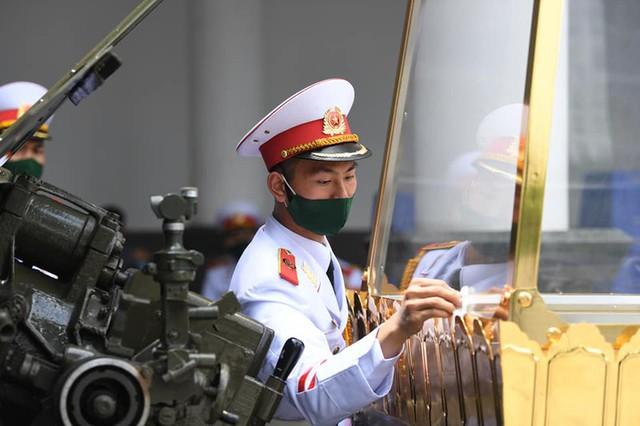 Lễ truy điệu và an táng Nguyên Tổng Bí thư Lê Khả Phiêu - Ảnh 64.