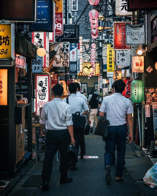 Không phải né nhậu nhưng đàn ông Nhật vẫn lang thang vật vờ sau giờ làm dù có gia đình đầm ấm, nguyên nhân đến từ vấn đề chẳng ai ngờ - Ảnh 2.