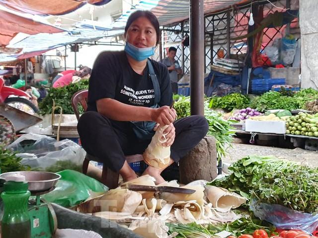 Măng rừng vào mùa tươi ngon, ngập tràn chợ Hà Nội - Ảnh 4.
