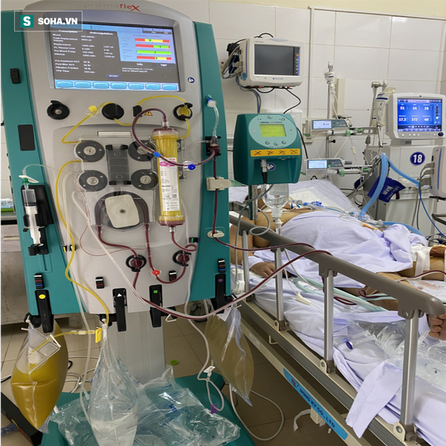 [Ảnh] Cận cảnh hành trình 15 ngày đưa bệnh nhân Covid-19 từ cửa tử trở về của các y bác sĩ ở tâm dịch Đà Nẵng - Ảnh 7.