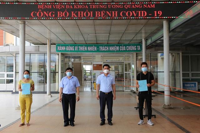 Sáng nay, thêm 11 người mắc Covid-19 ở Quảng Nam được xuất viện  - Ảnh 1.